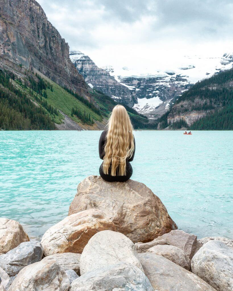 The famous viewpoint of Lake Louise.