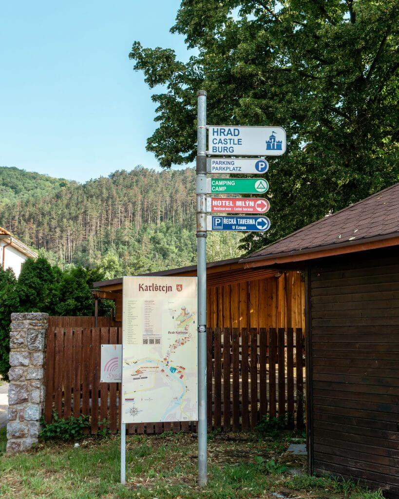 Directions to Karlstejn Castle.
